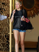 Miley-Cyrus-in-Shorts-and-Stripper-heels-10