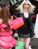 Taylor-Momsen---on-the-set-of-a-music-video-in-NYC-1