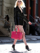 Taylor-Momsen---on-the-set-of-a-music-video-in-NYC-10