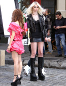 Taylor-Momsen---on-the-set-of-a-music-video-in-NYC-18