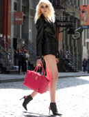 Taylor-Momsen---on-the-set-of-a-music-video-in-NYC-23