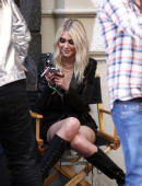 Taylor-Momsen---on-the-set-of-a-music-video-in-NYC-3