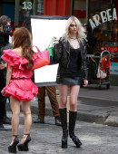 Taylor-Momsen---on-the-set-of-a-music-video-in-NYC-4