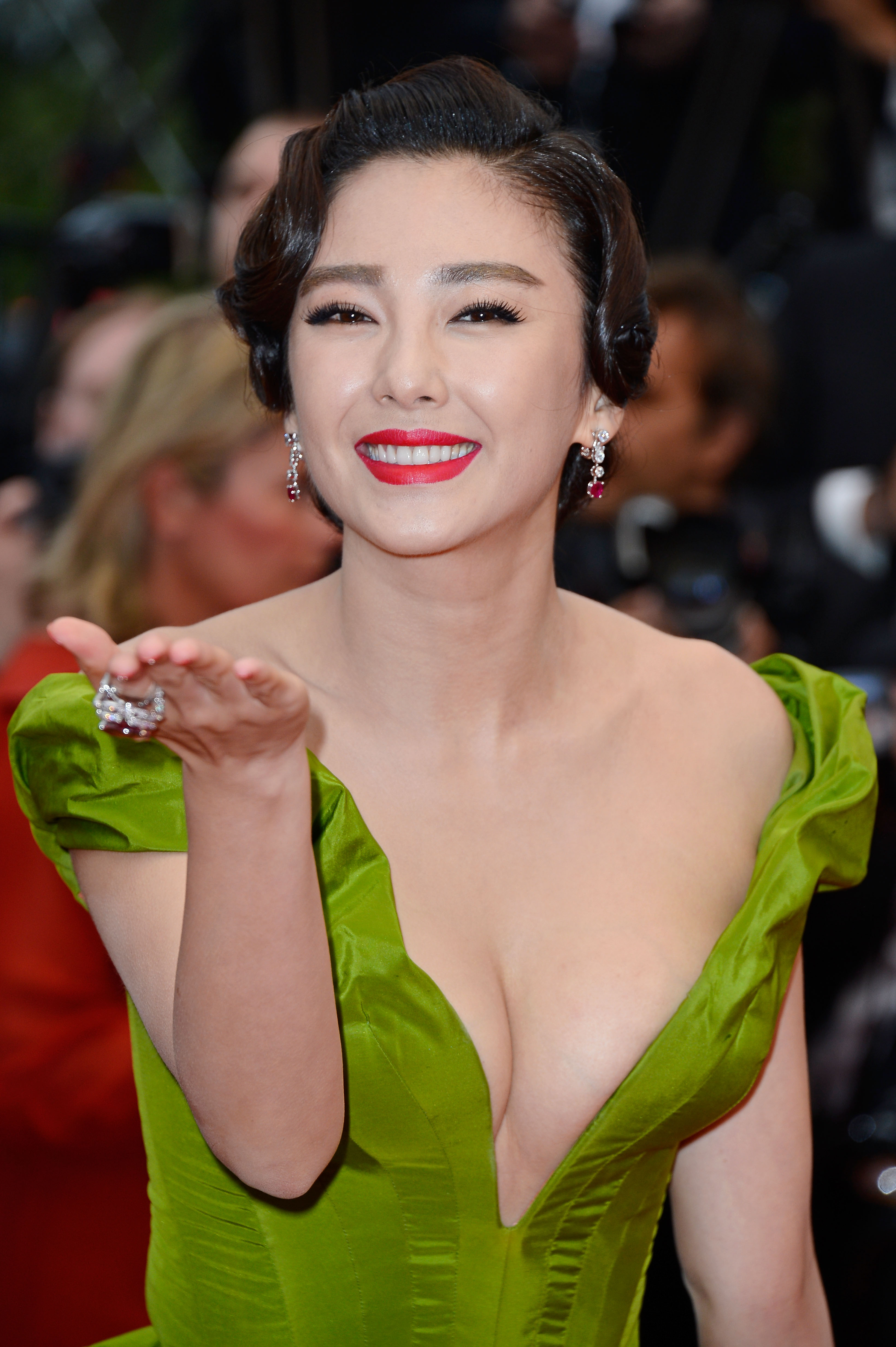 Zhang-Yuqi-Premiere-The-Great-Gatsby-66th-Cannes-Film-Festival-7