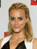 Taylor-Schilling-at-Orange-Is-The-New-Black-Premiere-in-NYC-4
