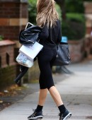 Abbey-Clancy-Booty-in-Tights-7