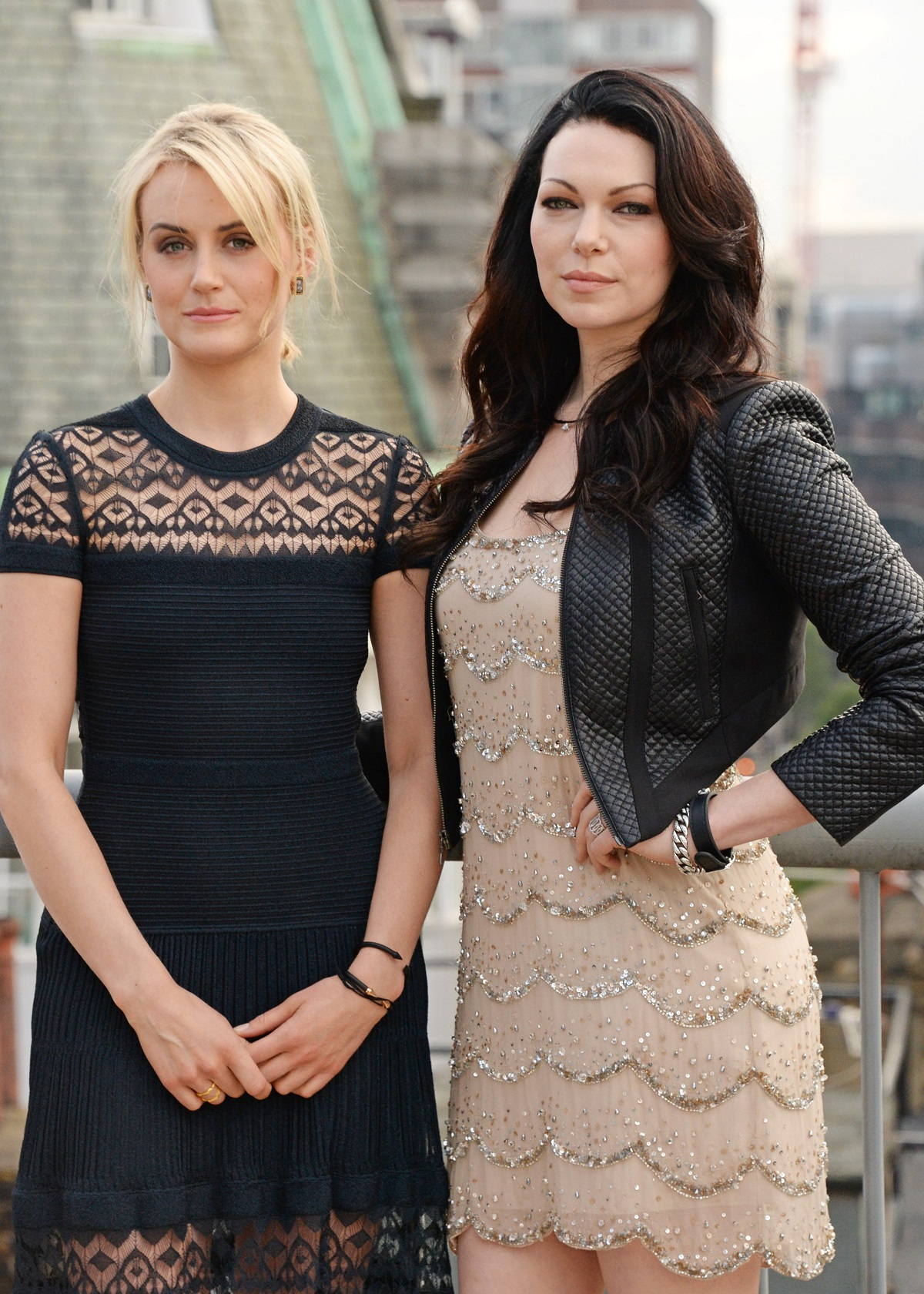 Laura-Prepon-and-Taylor-Schilling-6