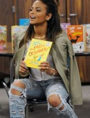 Christina-Milian-in-Ripped-Jeans-3