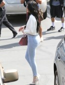 Kylie-Jenner-Booty-Tight-Jeans-6