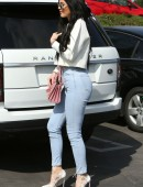 Kylie-Jenner-Booty-Tight-Jeans-7