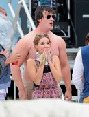 Zoey-Deutch-on-the-Set-of-Dirty-Grandpa-2