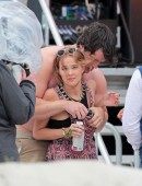 Zoey-Deutch-on-the-Set-of-Dirty-Grandpa-5