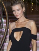 Joanna-Krupa-at-Renault-Event-in-Warsaw-5