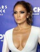 Jennifer-Lopez-at-All-I-Have-Residency-After-Party-6