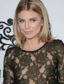 AnnaLynne-McCord-at-Galerie-Montaigne-Opening-4