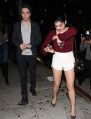 Ariel-Winter-at-The-Nice-Guy-Restaurant-in-West-Hollywood-3