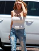 Charlotte-McKinney-in-Ripped-Jeans-1