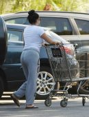 ariel-winter-going-to-grocery-shopping-in-la-1