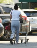 ariel-winter-going-to-grocery-shopping-in-la-3