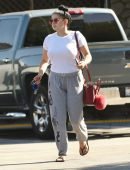 ariel-winter-going-to-grocery-shopping-in-la-5
