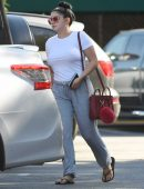 ariel-winter-going-to-grocery-shopping-in-la-9