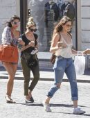 Ashley-Benson-Troian-Bellisario-and-Shay-Mitchell-in-Rome-14