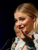 Chloe-Moretz-at-Opening-Ceremony-of-the-42th-Deauville-US-Film-Festival-20
