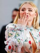 Chloe-Moretz-at-Opening-Ceremony-of-the-42th-Deauville-US-Film-Festival-4