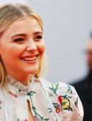 Chloe-Moretz-at-Opening-Ceremony-of-the-42th-Deauville-US-Film-Festival-6