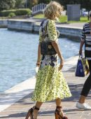 Naomi-Watts-Arriving-Private-Dock-in-Venice-Italy-8