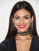 victoria-justice-at-pamella-roland-s-s-2017-fashion-show-at-pier-59-studios-in-nyc-7