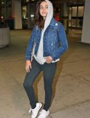 bailee-madison-in-jeans-at-pearson-international-airport-10