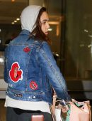 bailee-madison-in-jeans-at-pearson-international-airport-12