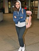bailee-madison-in-jeans-at-pearson-international-airport-4