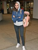 bailee-madison-in-jeans-at-pearson-international-airport-7