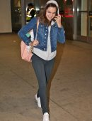 bailee-madison-in-jeans-at-pearson-international-airport-9