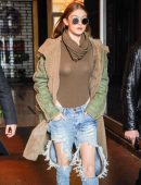 Gigi-Hadid-in-Ripped-Jeans-609