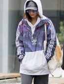 Vanessa-Hudgens-and-Stella-Hudgens-Arriving-to-SoulCycle-5