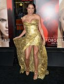 Rosario Dawson Upskirt at the Premiere of Film 'Unforgettable' in Los Angeles