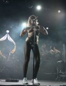 Tove Lo – Topless, Performing Onstage at Coachella 2017, Day 3 in Indio