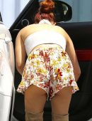 Ariel-Winter-in-Floral-Print-Shorts-5