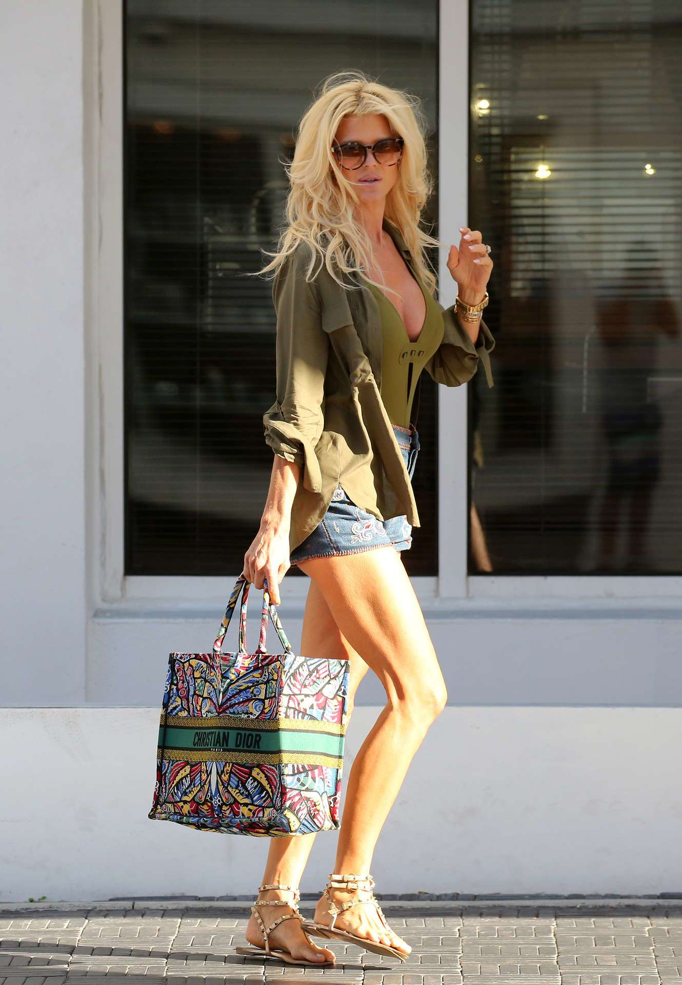 Victoria Silvstedt - Out Shopping in Miami