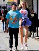 Sophie Turner Leggy, Out for Lunch in Studio City