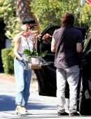 Diane Kruger Picking Out Some Flowers in West Hollywood