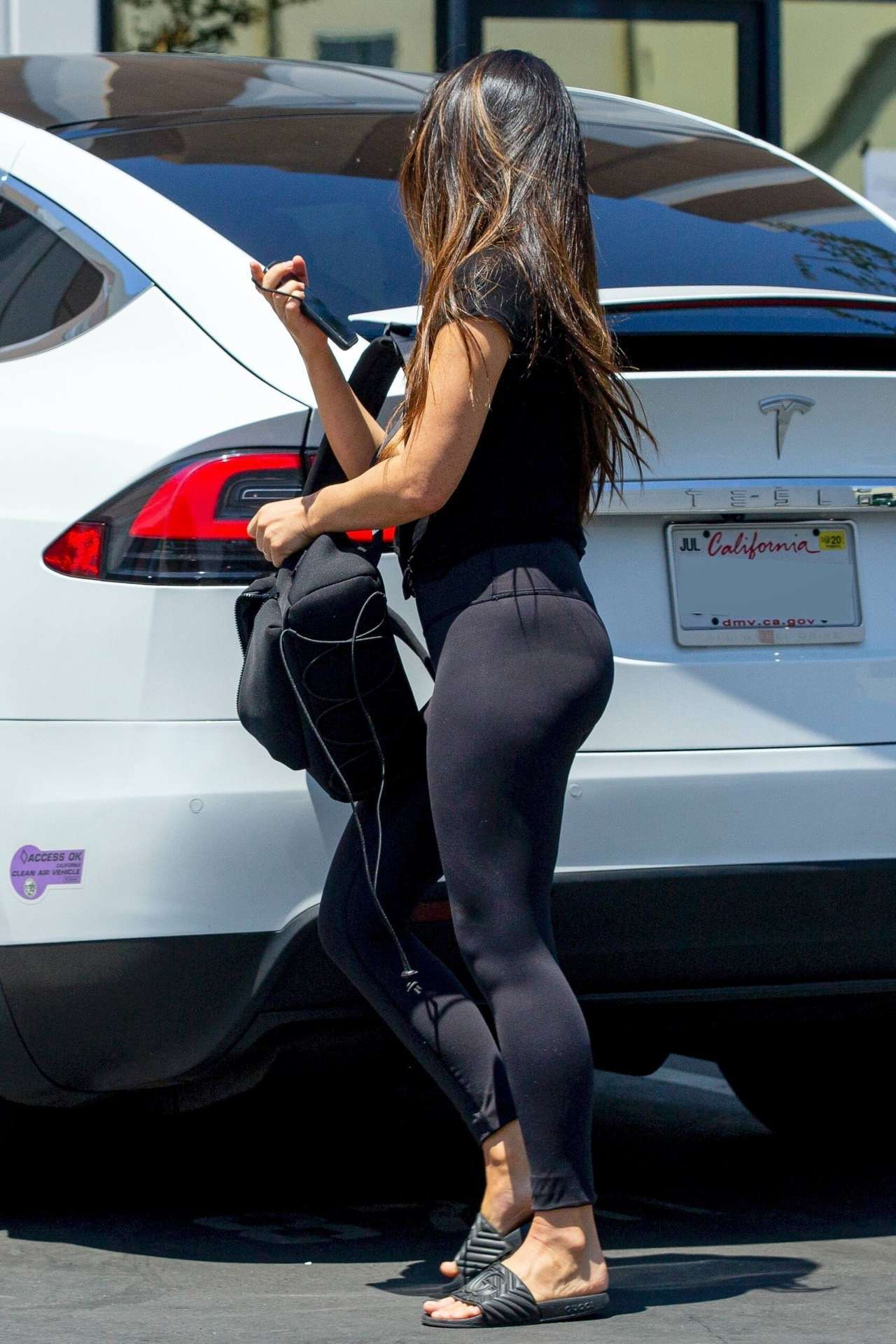 Olivia Munn Pokies and Ass in Leggings Out in Los Angeles