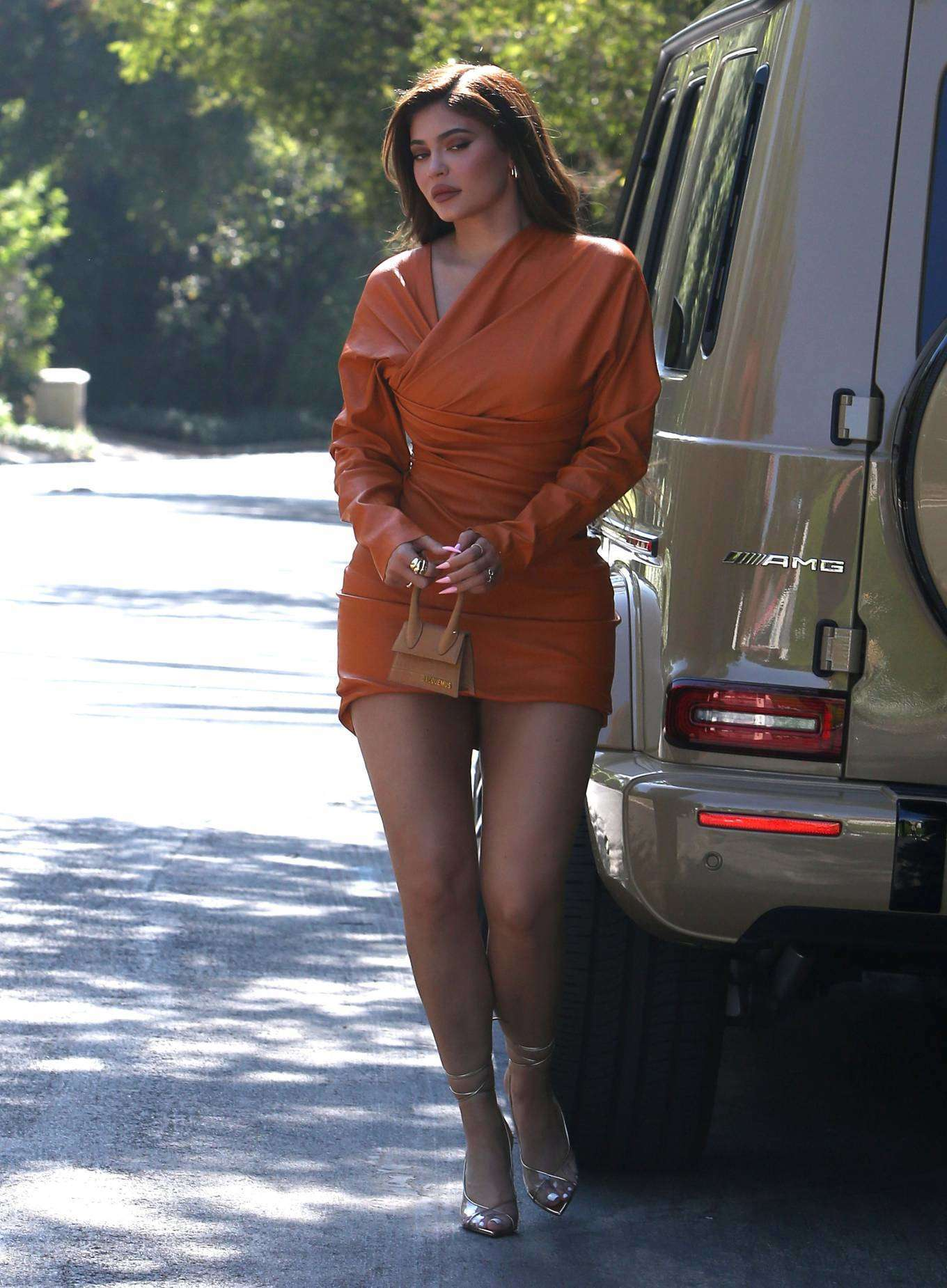 Kylie Jenner Leggy, Out for Lunch in Beverly Hils